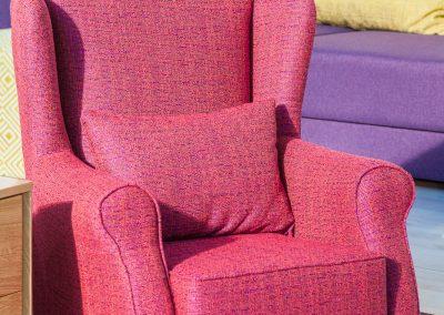 fotelja Beržera darijana 2 po meri i želji u različitim kvalitetima punjenja i materijala na sajmu nameštaja 2017