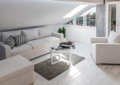 Garnitura Milica (ležaj + fotelja + tabure)