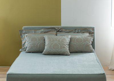 Francuski ležaj IV proizvodimo po meri i po želji sa žičanim jegrom ili sunđerom u različitim kvalitetima punjenja i materiajala, krevet za udobno spavanje