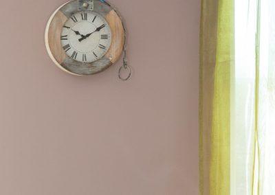 Zidni sat drveni